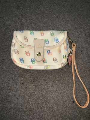 Dooney and Bourke wristlet for Sale in Westerville, OH