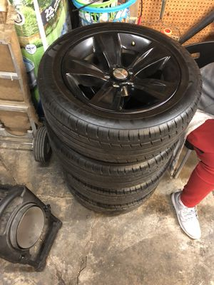 "18"" Stock SXT Charger tires & rims for Sale in Grove City, OH"