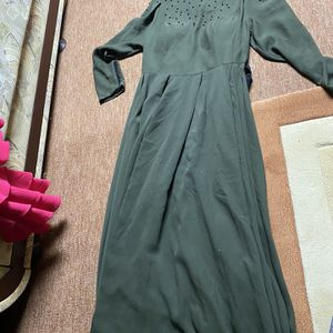 modest dress, no rips or damage for Sale in New Haven, CT