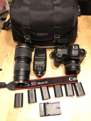 Canon 5dmk2 / lenses / speed light for Sale in Harrisburg, SD