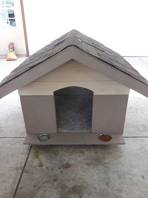 New lg dog house for Sale in Rialto, CA