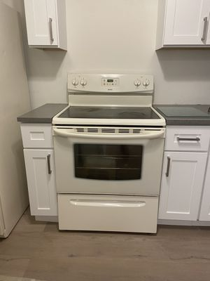 Electric stove for Sale in Delray Beach, FL