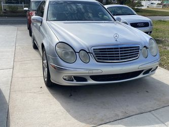 2006 Mercedes E350 for Sale in St. Petersburg,  FL