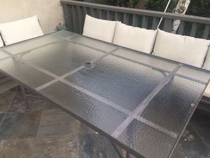 OW Lee outdoor patio dining table for Sale in South Pasadena, CA
