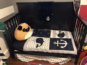 Convertible Baby Crib and Toddler Bed for Sale in Detroit, MI