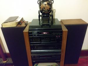 Stereo system with turn table an two speakers works very good you won't find this anywhere I enjoy it every night $300 or best offer for Sale in Grosse Pointe Park, MI