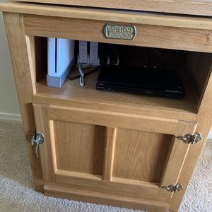 White Clad Tv Stand With Swivel Top for Sale in Peoria, AZ