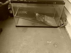 29 Gallon Fish Aquarium! In excellent condition! for Sale in Sacramento, CA