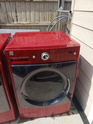 Pair of washer & dryer Kenmore elite for Sale in Perris, CA