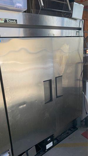 True two door freezer for Sale in Clovis, CA