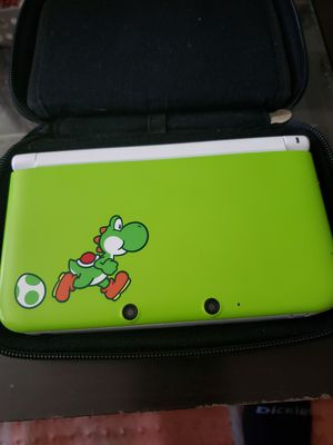 Nintendo 3ds XL yoshi edition for Sale in San Francisco, CA