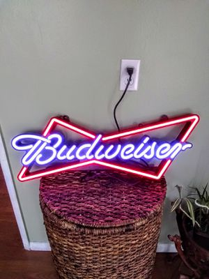 BUDWEISER • NEON SIGN • Bar / Man Cave / She Shed • EXCELLENT WORKING CONDITION for Sale in SeaTac, WA