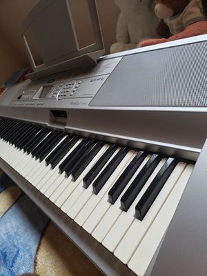 Yamaha portable grand piano DGX-500 for Sale in Los Angeles, CA