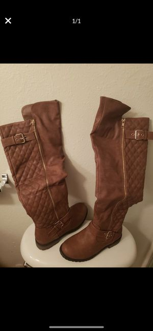 Chestnut color boots for Sale in Fresno, CA