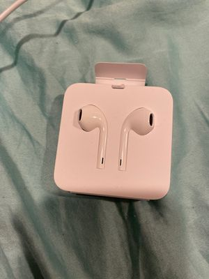 Brand New Apple Wired Headphones for Sale in San Diego, CA