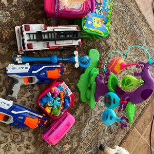 "Kids Toys All Kinds , -""all Work If They Make Noise And Lunch Bags for Sale in Mesa, AZ"
