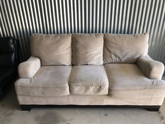 Heavy couch and loveseat $95 for Sale in Irving,  TX