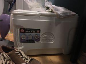 Igloo Marine 25 quart White Cooler for Sale in Vienna, VA