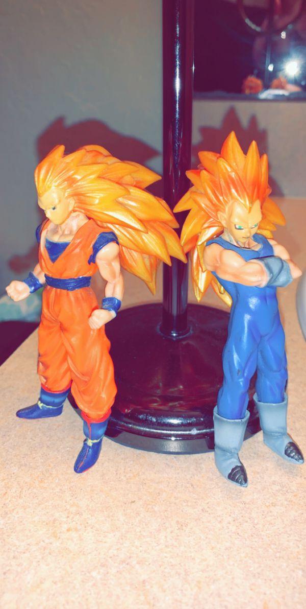 Two dragon ball Z figurines