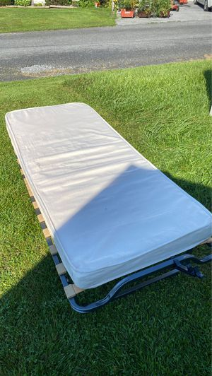 Foldable cot for Sale in Middletown, PA