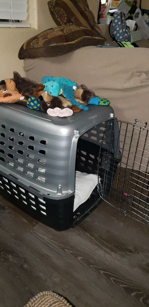 Dog crate. Very clean, door can open both directions. for Sale in Maricopa, AZ