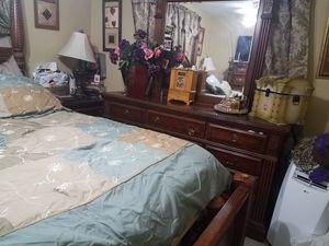 king bedroom set for Sale in Carol City, FL