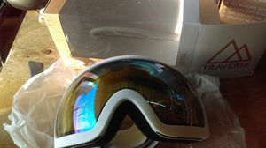 Traverse Varia Ski, Snowboard, and Snowmobile Goggles, Obsidian with Phoenix Lens for Sale in Mesa, AZ