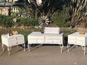 Cute farmhouse coffee table and end table set for Sale in Oceanside, CA