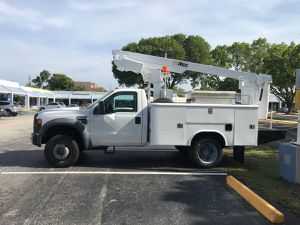 2008 Ford F450 Super Duty bucket truck / lift for Sale in Oakland Park, FL