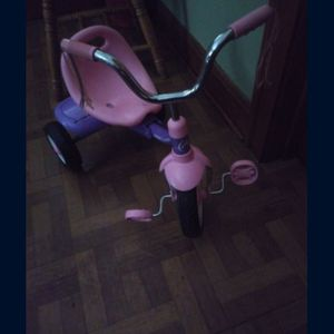 Girls Pink And Purple Tricycle for Sale in Chicago, IL