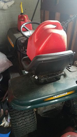 Ride on lawn mower craftsman lt1000 for Sale in Philadelphia, PA
