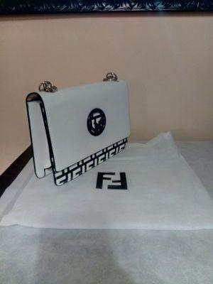 New shoulder bag for Sale in Revere, MA