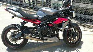 Triumph Speed Triple R 2014 motorcycle salvage title for Sale in Los Angeles, CA