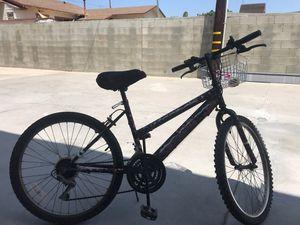 $60. Bike OUES for Sale in Montebello, CA