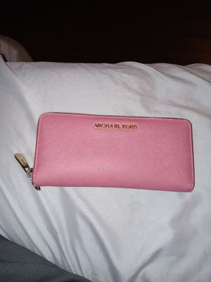 Micheal kors wallet for Sale in Las Vegas, NV