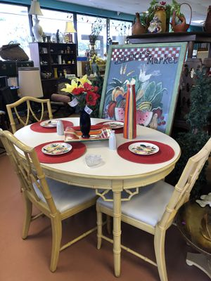 Dining table with chairs for Sale in Sunrise, FL