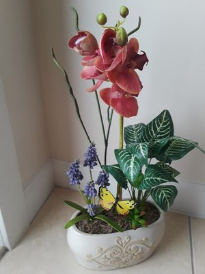 Vase with Flowers for Sale in Homestead, FL
