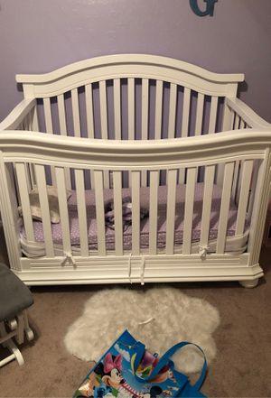Babies r us crib for Sale in Las Vegas, NV