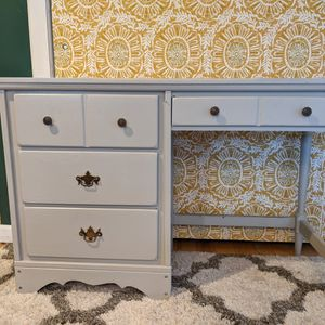 Desk With Drawers, Gray for Sale in Shoreline, WA