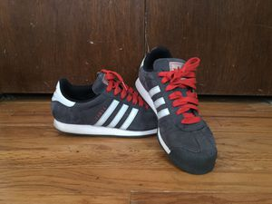 Adidas women's size 10 for Sale in Pittsburgh, PA