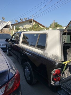 Camper shell for a 1999 Toyota Tacoma extended cab. for Sale in Los Angeles, CA
