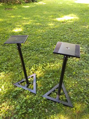Monitor stands for Sale in Nashville, TN