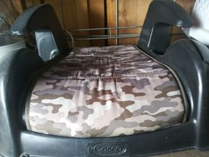 Booster Seat (Backless) for Sale in St. Louis, MO