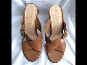 New Sole Society Womens Size 9 Sandals * Soft Cognac Brown Leather * for Sale in Fuquay-Varina, NC