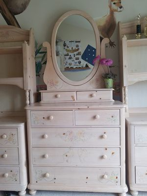 Thomasville Girl Bedroom Set -Solid Wood, Natural Finish for Sale in Rockville, MD