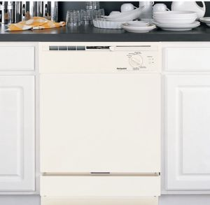 Brand new in box (white) dishwasher for Sale in Austin, TX