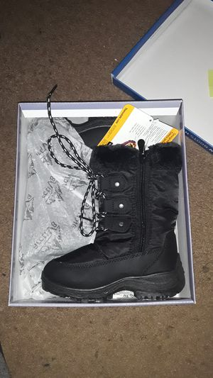 Toddler girls winter boots size 10c brand new for Sale in Providence, RI