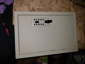 Key box, 30 keys for Sale in Elk Grove, CA