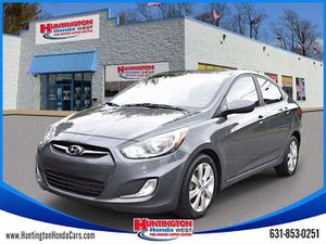 2013 Hyundai Accent for Sale in Huntington, NY