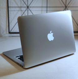 """Certified Refurbished Macbook Air 13"""" Bundle for Sale in Orlando,  FL"""